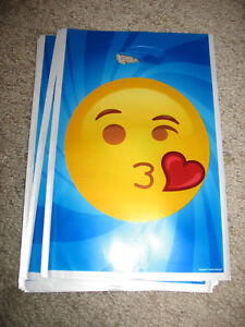 8 New Emoji Party Favor Treat Candy Goodie B-day Plastic Bags Blowing Kiss Heart