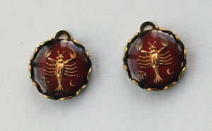VINTAGE 2 GLASS INTAGLIO ZODIAC ASTROLOGY ROUND PENDANTS 13mm CANCER RED