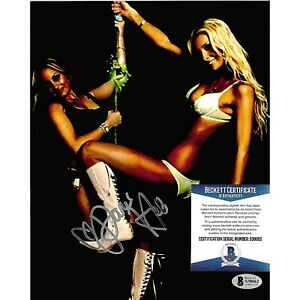 Paris Hilton Signed Autographed Sexy 8x10 Photo Simple Life Beckett BAS S38062