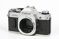 Canon AE-1 analoges SLR Gehäuse #3150705 Der Batteriefachdeckel ist einmal gebro