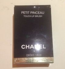 PREOWNED CHANEL PETIT PINCEAU TOUCH-UP BRUSH