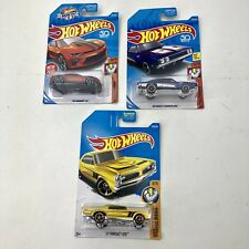 Hot Wheels Lot of 3 Muscle Mania 18' Camaro SS '69 Dodge Charger 500 67 Pontiac