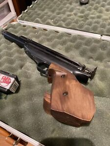Feinwerkbau Air Pistol Excellent Condition Mod 65 Includes Case And Pellets