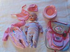 Puppe, gebraucht, aber gut erhalten mit Kleidung und sonstigem Zubehör