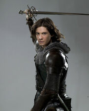 Ben Barnes UNSIGNED photo - E1295 - The Chronicles of Narnia