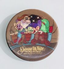 Disney Snow White & The Seven Dwarfs Button Lenticular Dopey & Grumpy