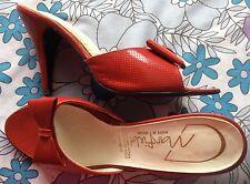 Vintage 80s Rojo Charol Arco Tacón Stiletto Mulas Zapatos 4 Pin-Up Rockabilly