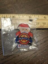 Macy*s Thanksgiving Day Parade Delta Air Line Santa lapel hat tie pin