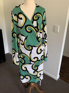 Ladies Diane Von Furstenberg 100% Silk 70s Print Wrap Dress Long Sleeve Size 14
