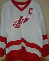vintage Detroit Red Wings CCM Yzerman NHL hockey jersey XL