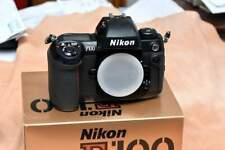 Nikon F100 scatolata con tutta la dotazione perfetta