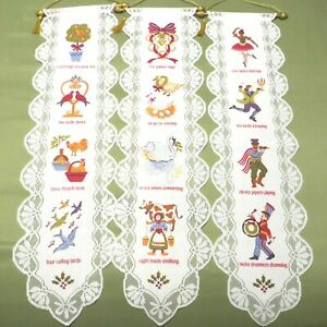 12 Days of Christmas Lace Vertical Scroll Wall Hanging 2002 Avon Holiday