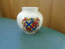 ARMS OF RAUNDS NORTHAMPTONSHIRE CREST - COLCHESTER VASE - CARLTON CRESTED CHINA