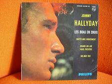 VINYL 45 T – JOHNNY HALLYDAY : LES BRAS EN CROIX + 3 – YEYE ROCK 1963