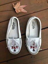 Minnetonka 8M white red beaded slip on womens ladies moccasins loafers 3717707
