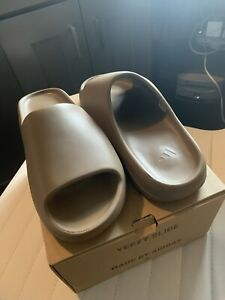 Adidas Yeezy Slide Earth Brown In Box AMAZING CONDITION MINOR FLAW Size 10