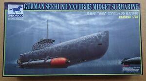 Bronco CB35053 1/35 scale DKM Seehund [Later] Midget Submarine Model Kit