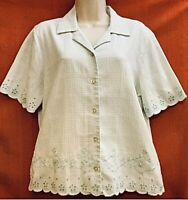 🌷ALFRED  DUNNER .. Embroidered Short Sleeve Blouse . White & Green .. Size 10🌷