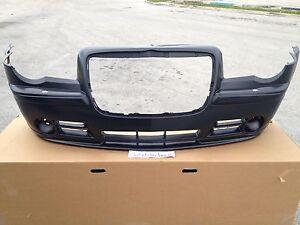 2005-10 NeW OEM Chrysler 300 300c SRT8 Front Bumper Mopar SRT