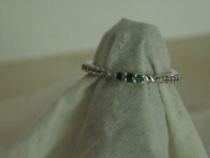 Genuine  Natural Emerald Petite Ring 7.     .        3emg