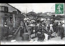 LOURDES (65) TRAIN en GARE animée en 1909