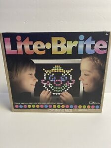 Basic Fun Lite-Brite Ultimate Classic Toy Tested Working 159 Pegs 3 Art Guides