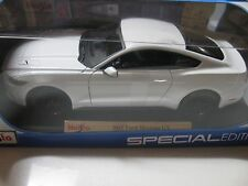MAISTO 1:18 SCALE 2015 FORD MUSTANG GT 5.0 DIECAST CAR WHITE