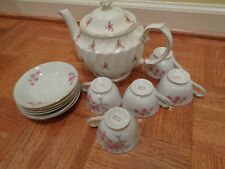 windsor teapot with 5 cups and 6 saucers