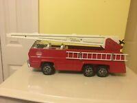 Vintage TONKA #13200 RED FIRE TRUCK - Aerial Ladder - Pressed Steel -1960's-70's