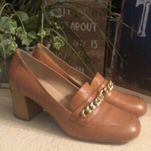 Tahari camel color Lulu shoes