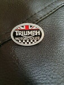 Biker Triumph Motorcycles Union Jack/Chequered Flag Enamel Finish Oval Pin Badge