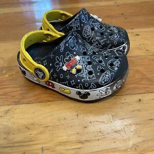 Crocs Disney Mickey Mouse Kids Size C 7 Infant/Toddler Crocband Black Clogs