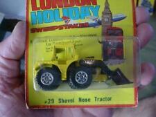 VINTAGE 1981 LESNEY MATCHBOX SHOVEL NOSE TRACTOR LOADER No. 29  MOC CARDED