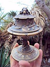 Joli encrier art-nouveau en  bronze décor floral et insecte