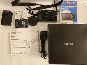 Fujifilm X70 (Black) - 4 Batteries + Charger + Original Box