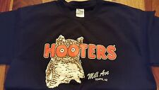 hooters t-shirt Mills ave , Tempe , Arizona (mens Large)