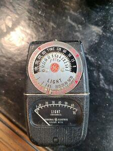 Vintage General Electric Light Exposure Meter  Type DW-68