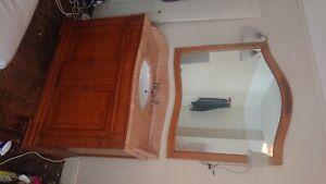 marble vanity unit and mirror