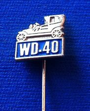 WD-40 Old vintage car auto pin badge !