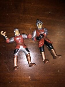 2 X SIMBA KNIGHT FIGURES AS PICTURED VINTAGE TOYS WAR TOYS ARMY
