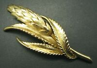 Vintage MONET GOLD TONE BROOCH PIN Highly Detailed WHEAT GRASS STALK LEAVES