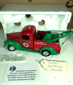 Ertl 19504 Texaco Prestige SeriesPROTOTYPE 1940 FORD tow truck 1/25 Scale