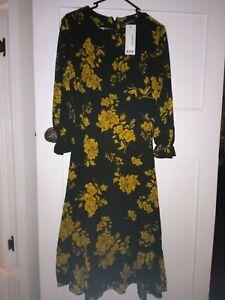 NWT Ladies BOOHOO Size 14 Floral Dress.