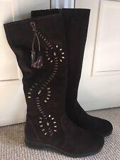 Dark Brown Suede Boots Size 6 (39.5) BNIB - Clarks OHANNA