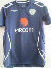 Republic of Ireland Training Leisure Football Shirt adult size small /39533