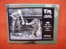Verlinden ® 1803 Chow Time German Tankers WWII 2 Figures Wehrmacht Panzer 1:35