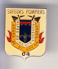 RARE PINS PIN'S .. POMPIER FIRE CASERNE BLASON ARM ALPES DE HAUTE PROVENCE 04~CD