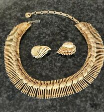Vintage Lisner Necklace And Earrings