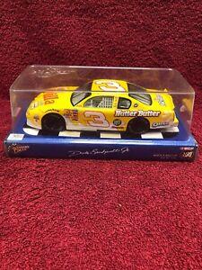 Dale Earnhardt Jr 1/24 2002 Monte Carlo #3 Nilla Wafers / Nutter Butter Action