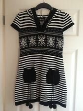 black and white knitted tunic with hood and pockets size S